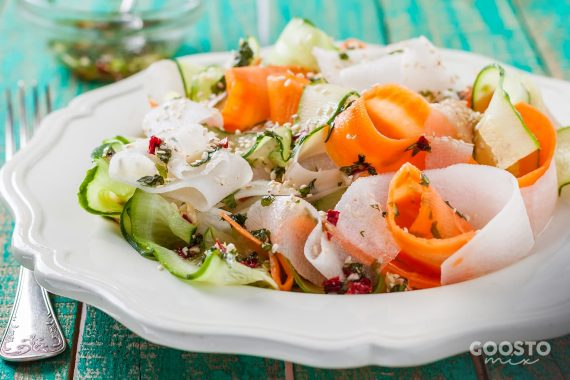 Tagliatelle de morcov și zucchini