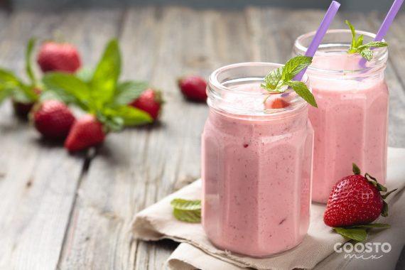 Shake cu căpșuni și fulgi de ovăz