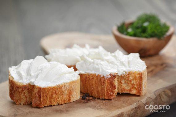 Cremă de brânză cu unt
