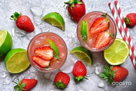 Cocktail cu vodka și căpșuni la Thermomix