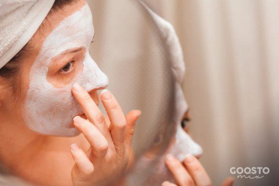 Mască pentru curățarea și iluminarea tenului