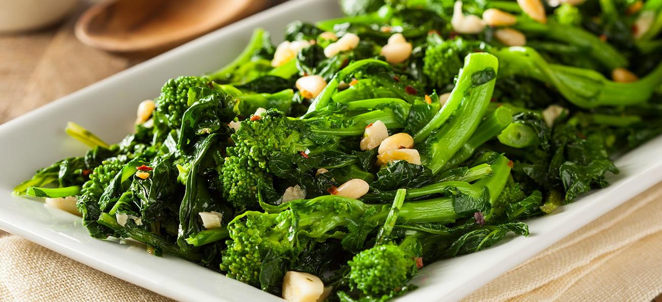 5 motive să introduci broccoli în alimentație