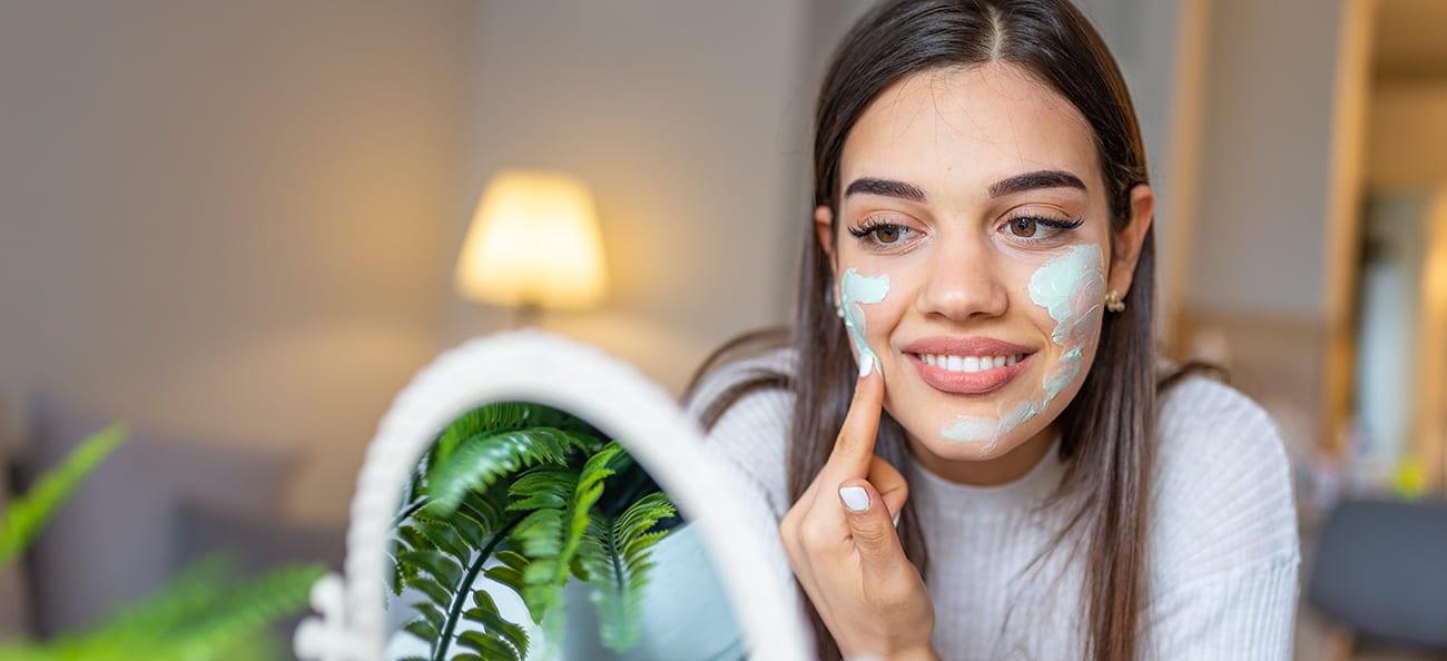 De ce să incluzi cosmeticele naturale în rutina zilnică de îngrijire a pielii