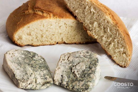 Pâine specialitate cu sana și blue cheese fără dospire