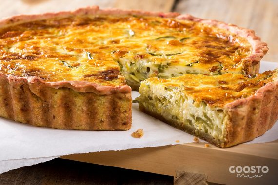 Quiche vegan cu praz în crustă fără gluten de ovăz cu migdale