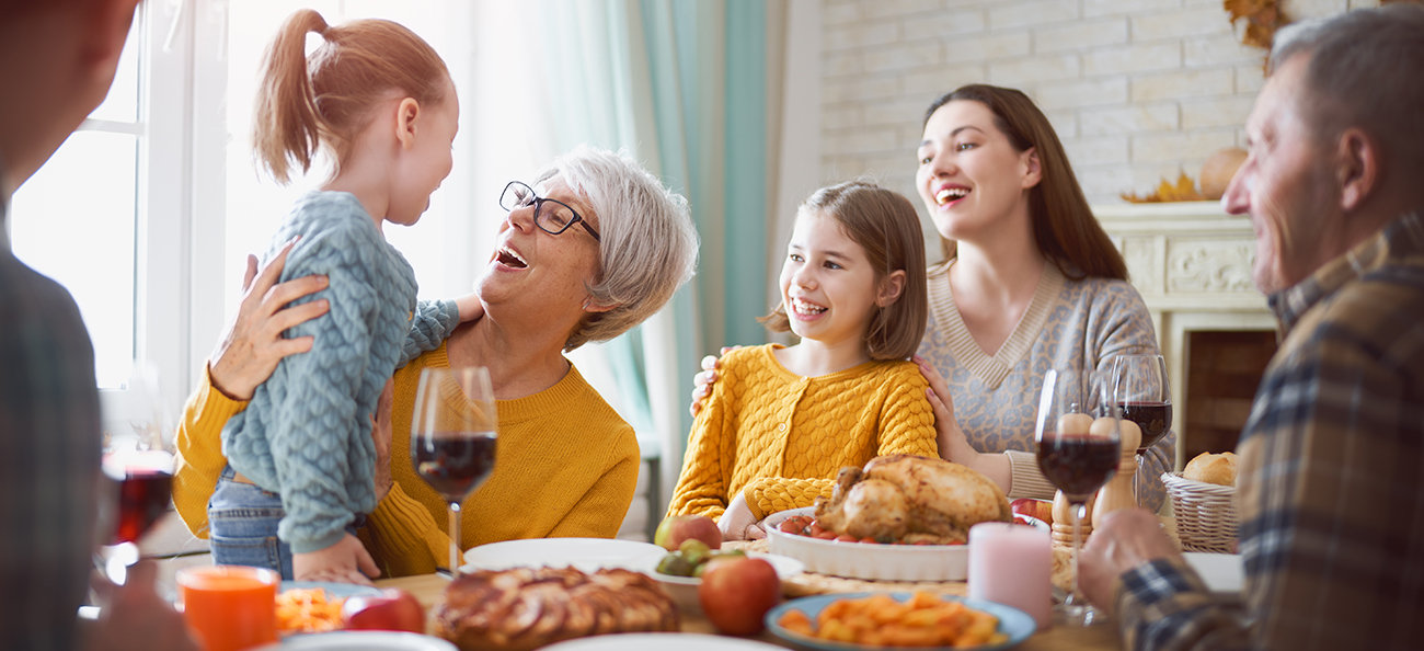 Cum să te pregătești pentru sărbătorile de iarnă – despre mesele în familie, cadouri și obiceiuri