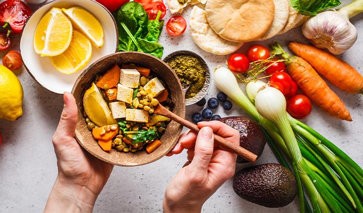 Ce să mănânci în perioada postului? Iată cum să ai o nutriție echilibrată cu rețete vegane!
