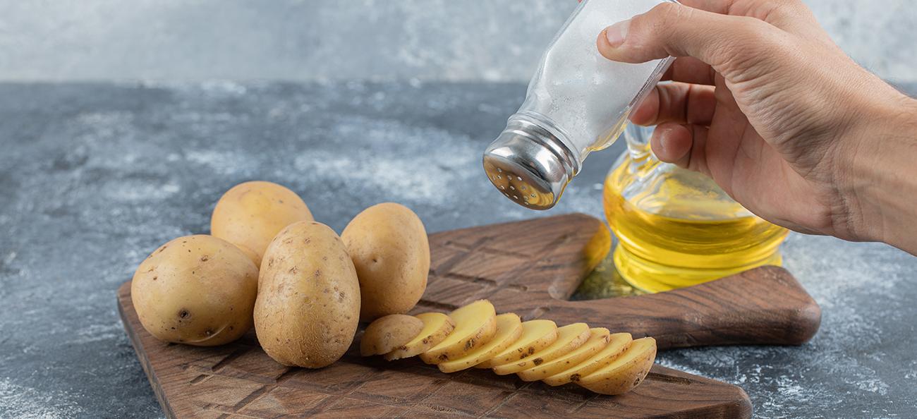 Cum să ai o dietă săracă în sare? Înlocuitori siguri și soluții pentru sănătate