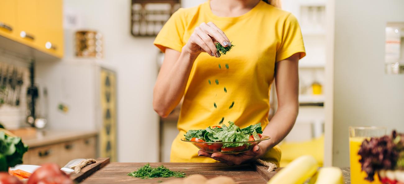Cum îți influențează alimentația sănătatea mintală?